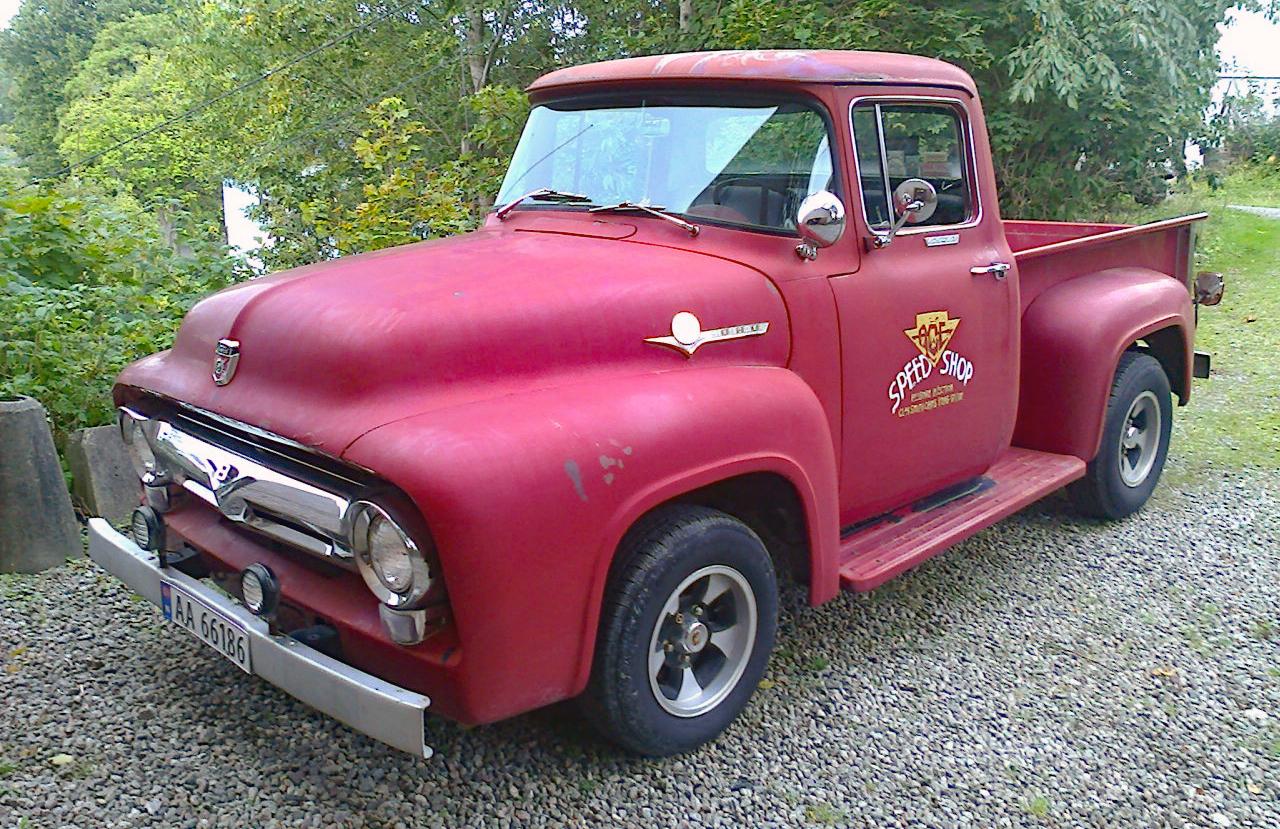 240-1956 Ford F 100 Pickup 01. Eier- medlem 240 På