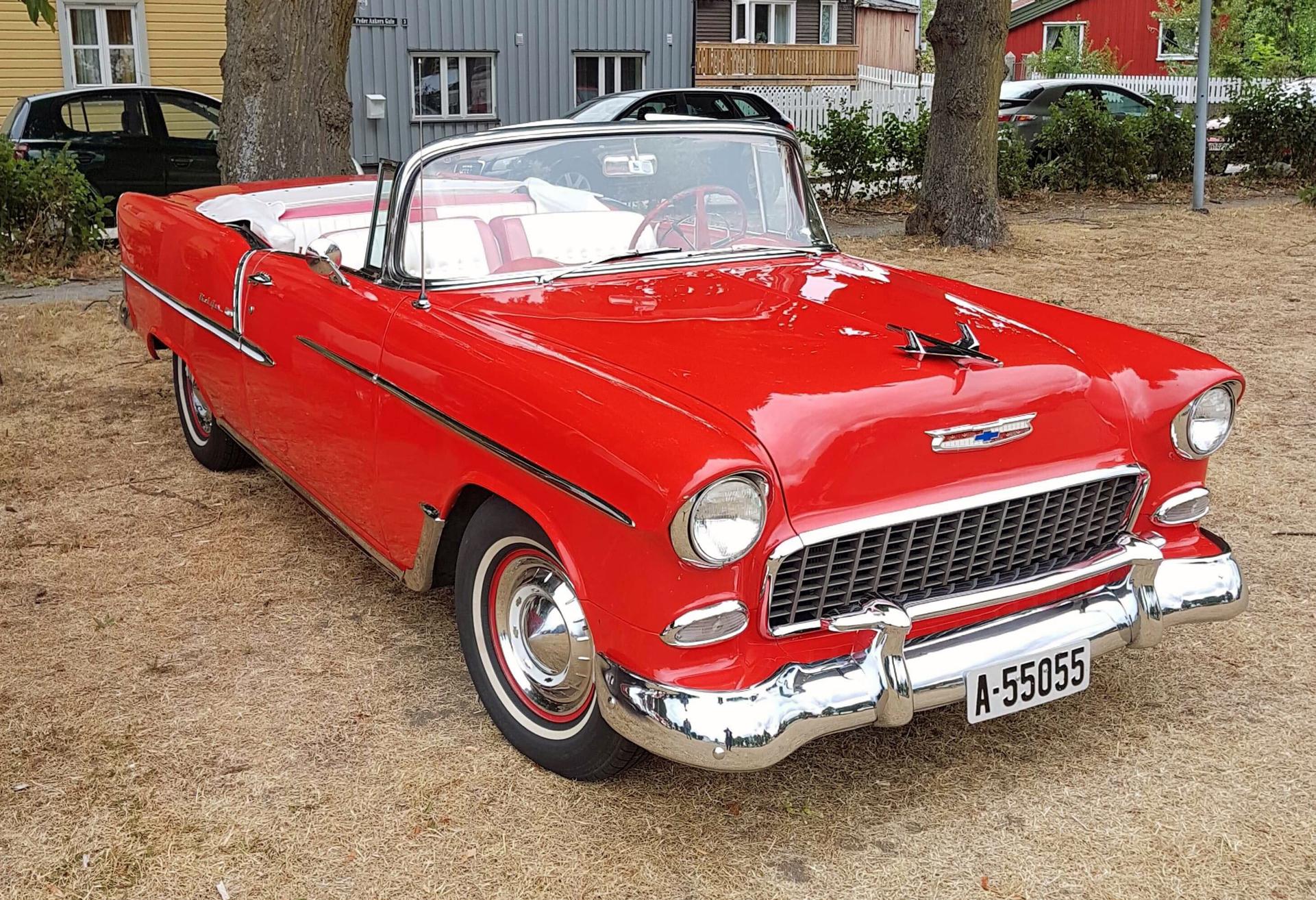 318-1955 Chevrolet Bel Air convertible 01. Eier-