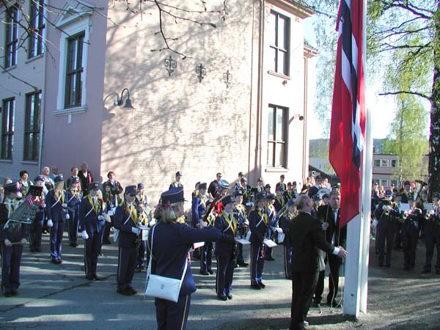 17. mai på Høybråten 2003