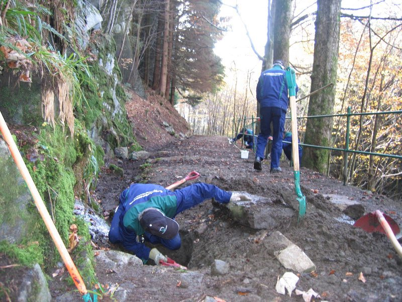 24-10 Hestebergveien stikkrenner tømmes for sand o