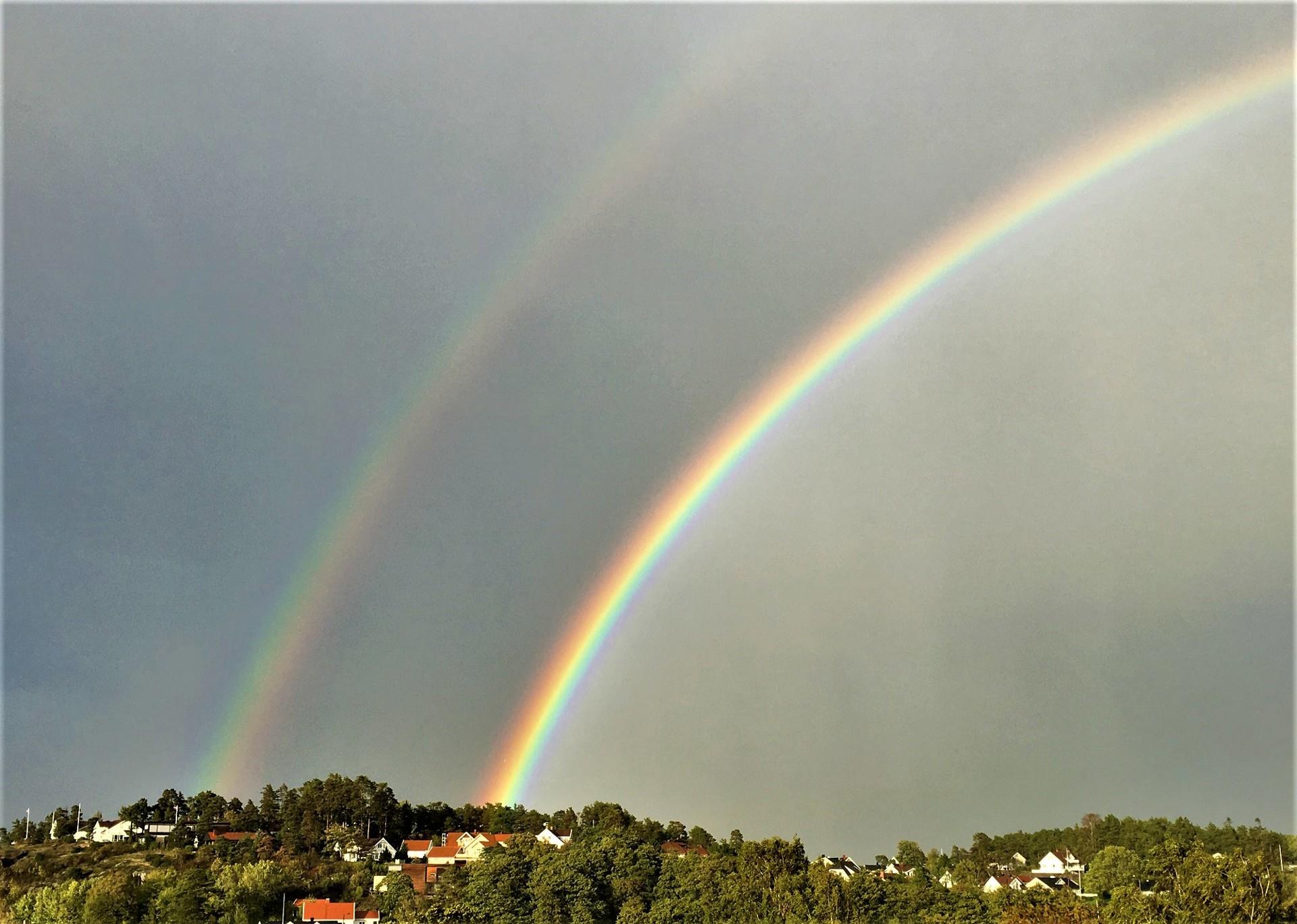 Dobbelt regnbue over Husøy (Foto Vidar Lunde).JPG