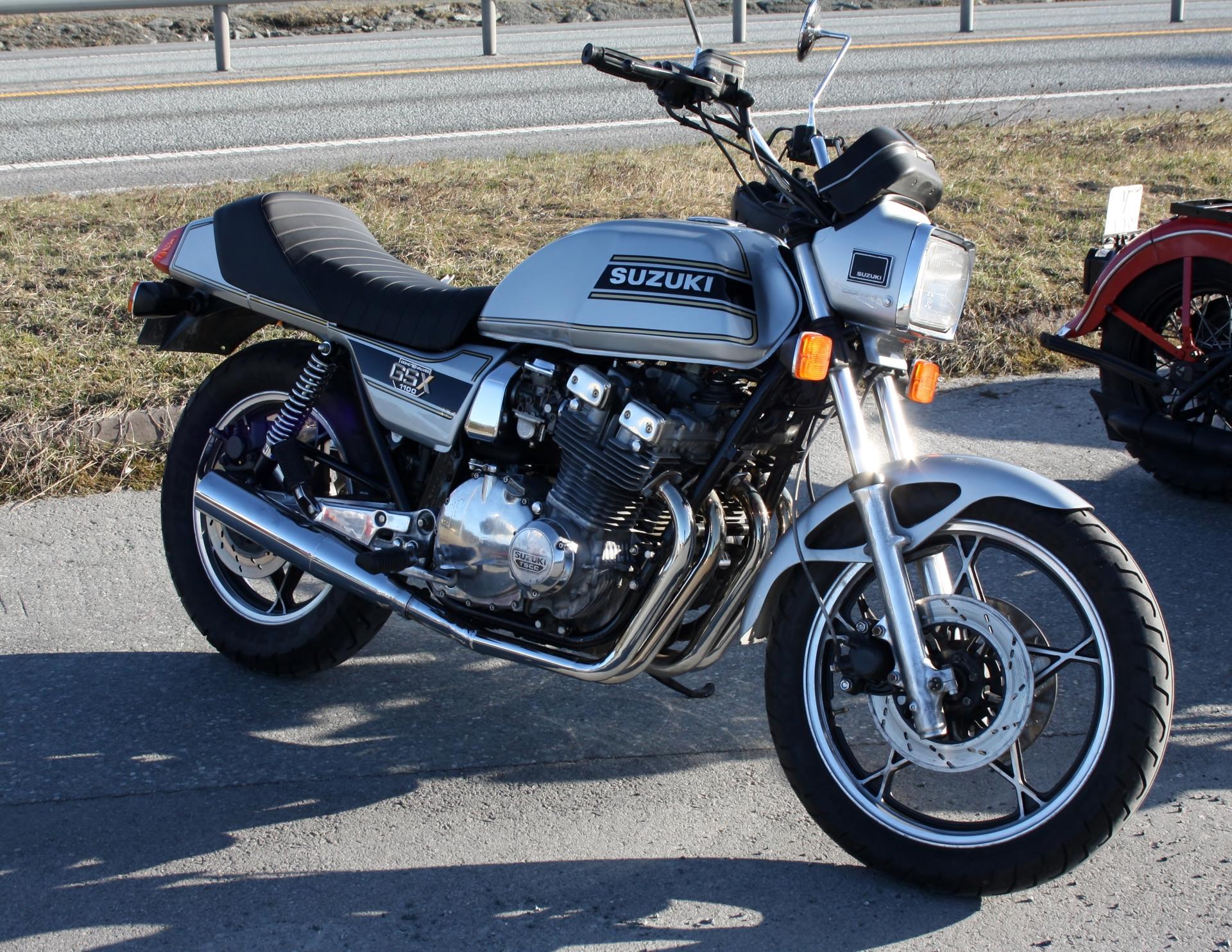Suzuki GSX 1100.JPG