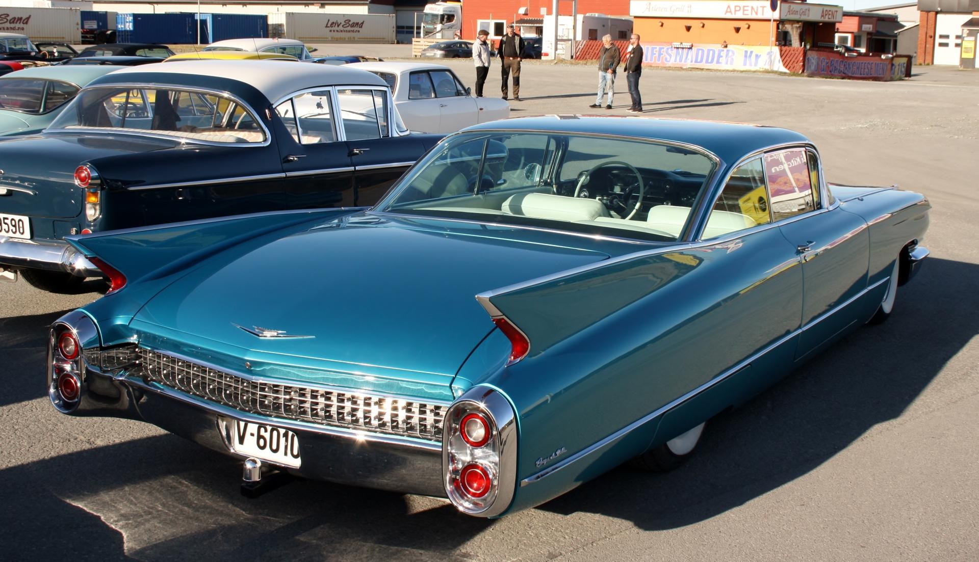 Cadillac bak.JPG