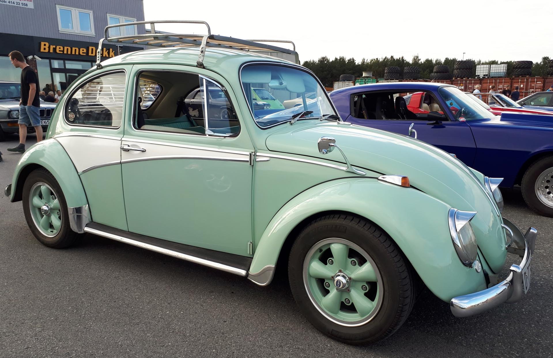 VW 1300 1.jpg